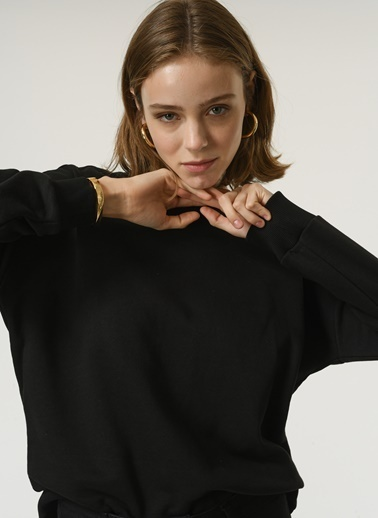 NGSTYLE NGSTYLE Kadın O Yaka Uzun Kollu Basic Sweatshirt Siyah